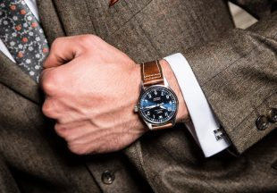 what suit to wear with your watch